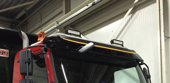Dual row 100w  ledbar op mining truck geleverd door BAS miningtrucks