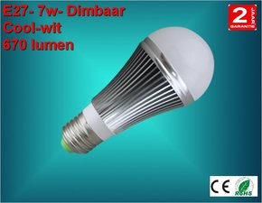 E27 lamp 7watt Cool-wit Dimbaar
