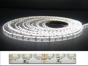5Meter LEDstrip sidevieuw  600x335smd -IP65 Cool-wit